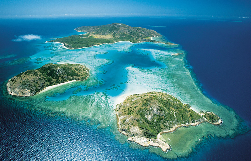 Lizard Island and barrer reef, view form the sky
