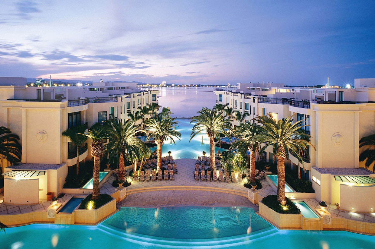 Palazzo Versace view of the luxurious swimming pool
