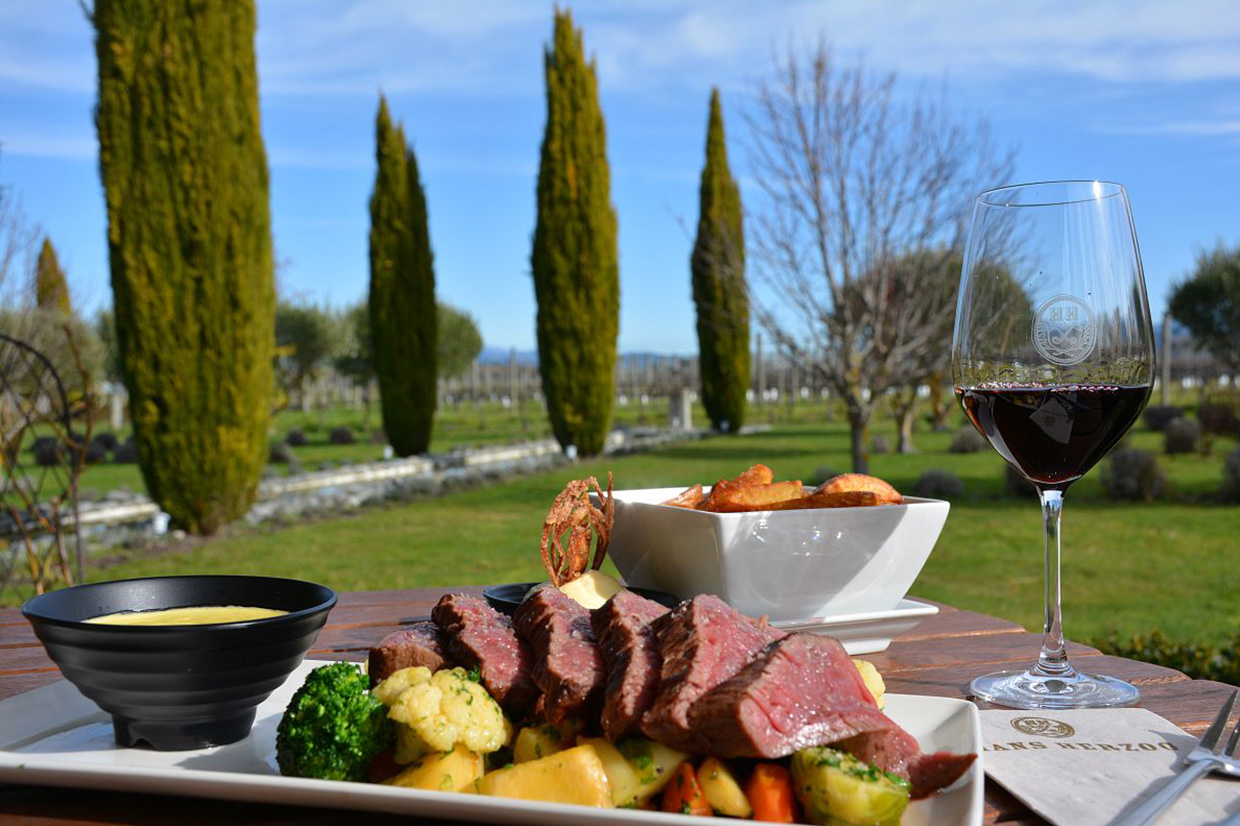 Outdoor fine dining New Zealand
