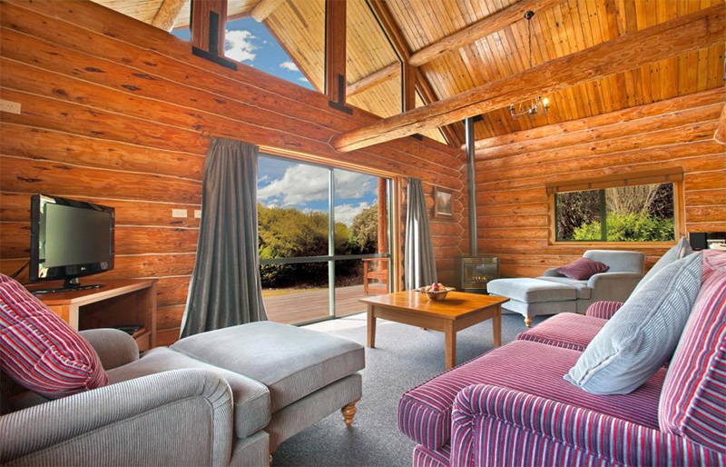 Fiordland Lodge luxurious chalet