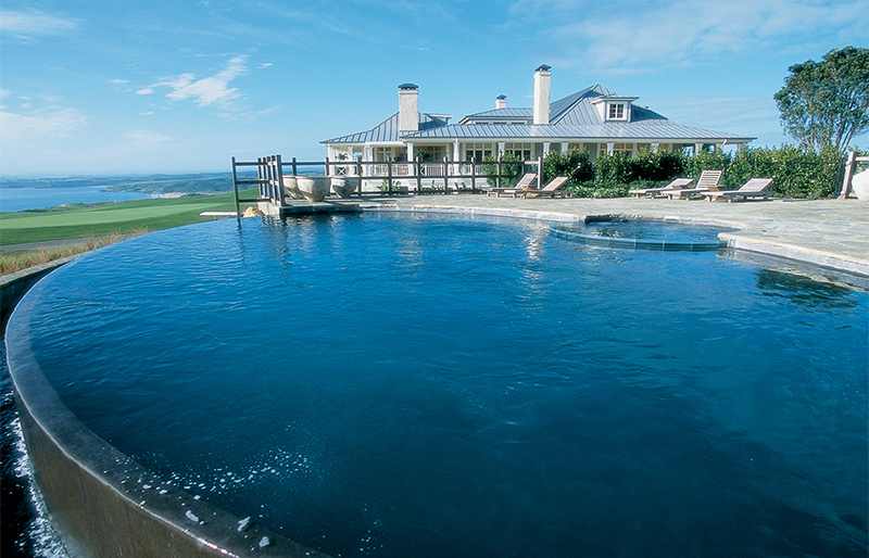 Infinity pool near the sea at Kauri Cliffs Lodge