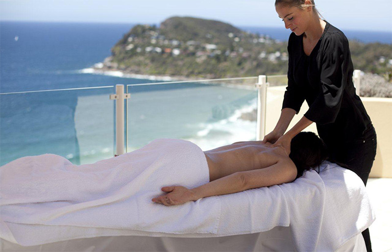 Massages and relaxation at Jonah's Whale Beach